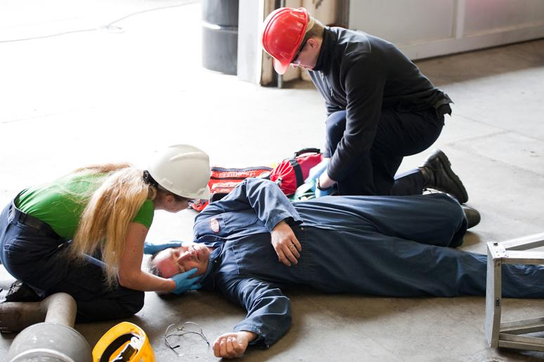 How do Employees Benefit from First Aid Training Courses